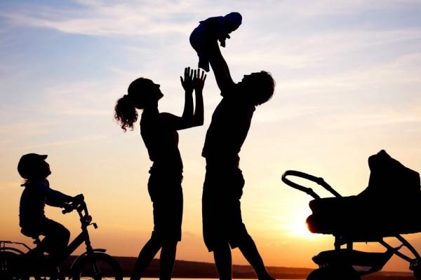 happy-family-silhouette--1200x640